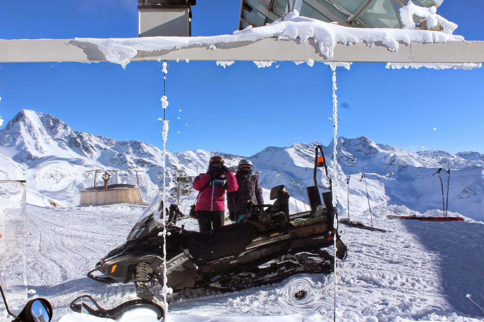 lustro na szczycie lodowca,odpornośc lustra na mróz, kafesjka grawand, alpy blog