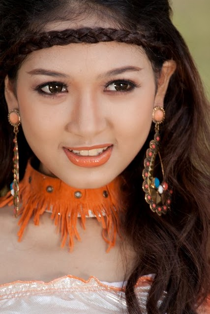 San Yati Moe Myint,burma model