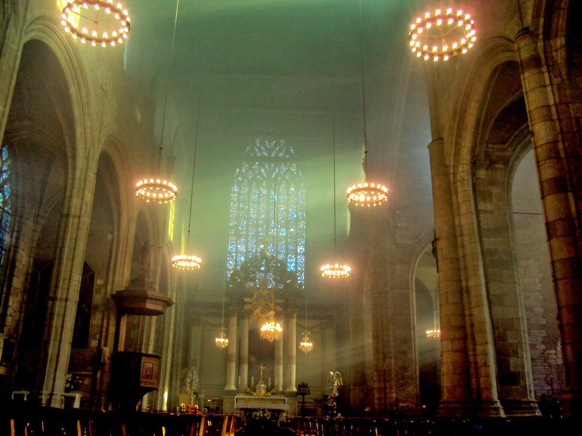 Le chœur de l'église Saint-Germain en décembre 2013