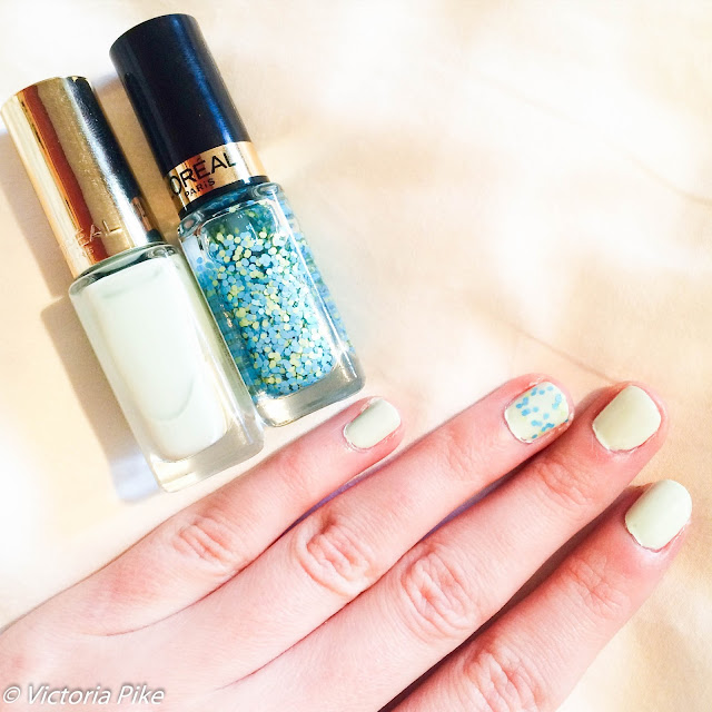 L'oreal Colour Riche Pistachio Drage and Oulala blue