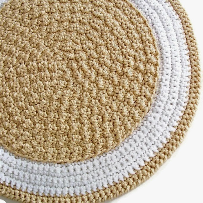 Crochet Round Rug : Red Berry Crochet: New Crochet Pattern - Round Rug!