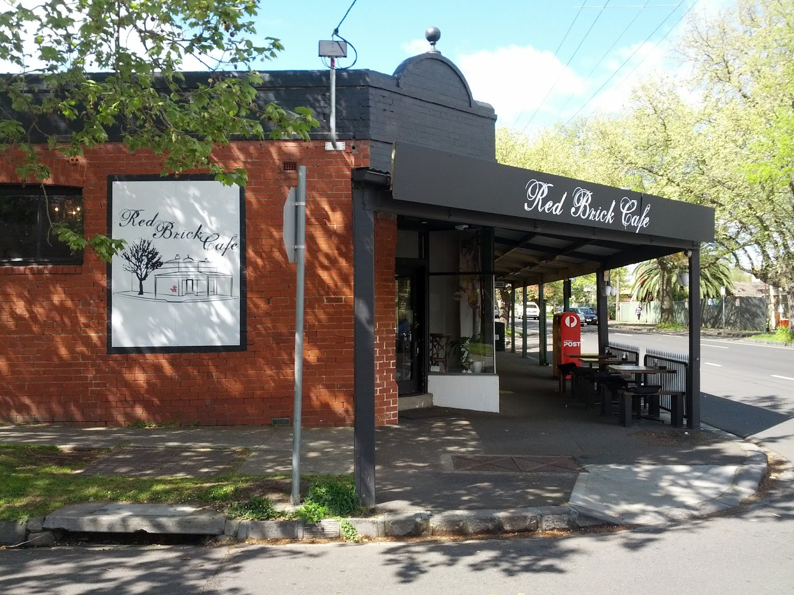 Red Brick Cafe In Mont Albert Road