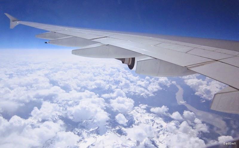 Au-dessus des nuages et des Montagnes Rocheuses