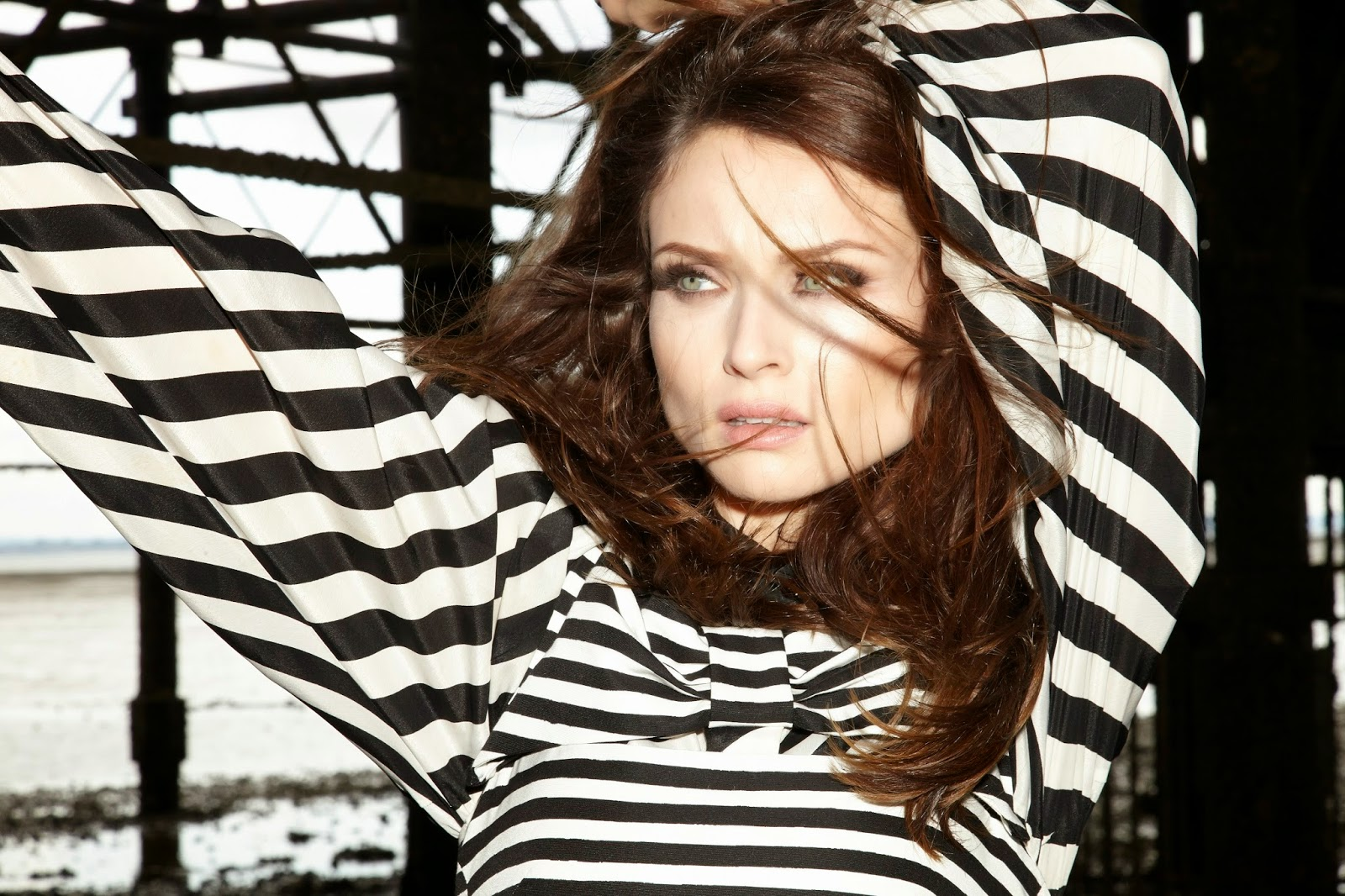Sophie Ellis-Bextor new single The Deer andThe Wolf