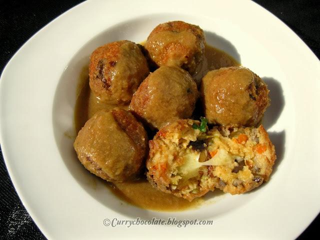 "Albóndigas  de verdura con queso – Vegetarian ""meatballs"" with cheese"
