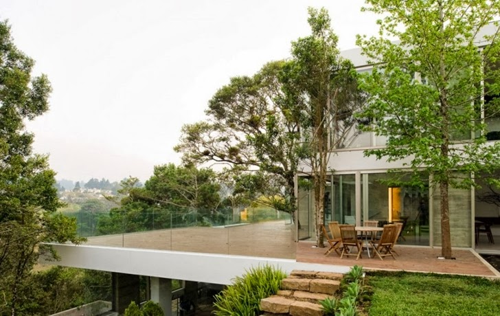Terrace of Modern dream home by Paz Arquitectura