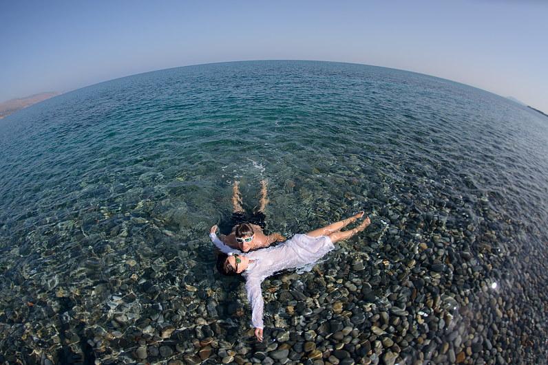jaunavedžių atostogos prie jūros Kretoje, Graikijoje
