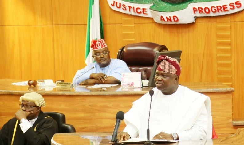"Lagos State Finally Gets 663 Billion Naira ""Peoples"" 2016 Budget Signed"