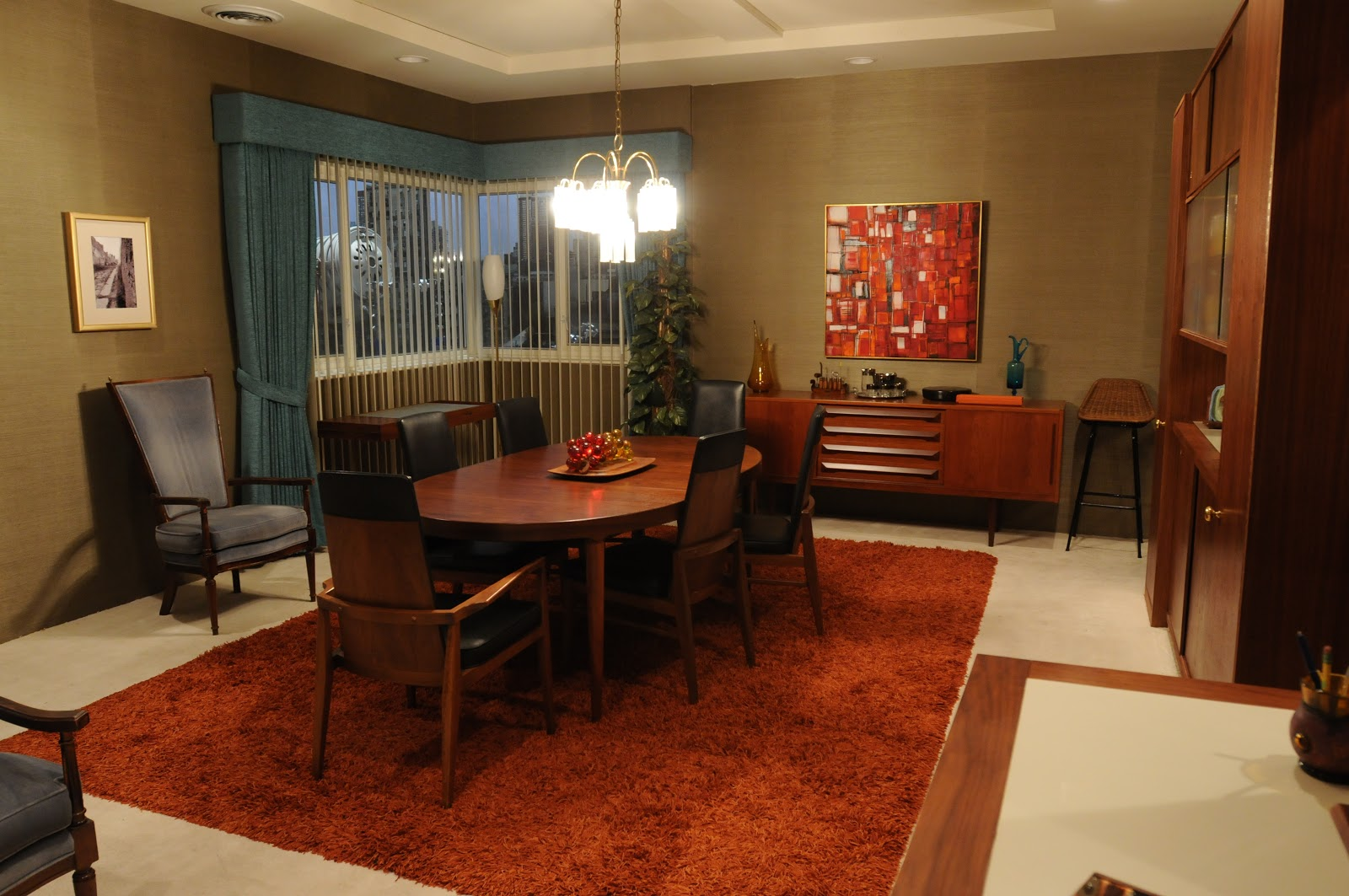 The style examiner inside don draper s apartment for Apartment inside