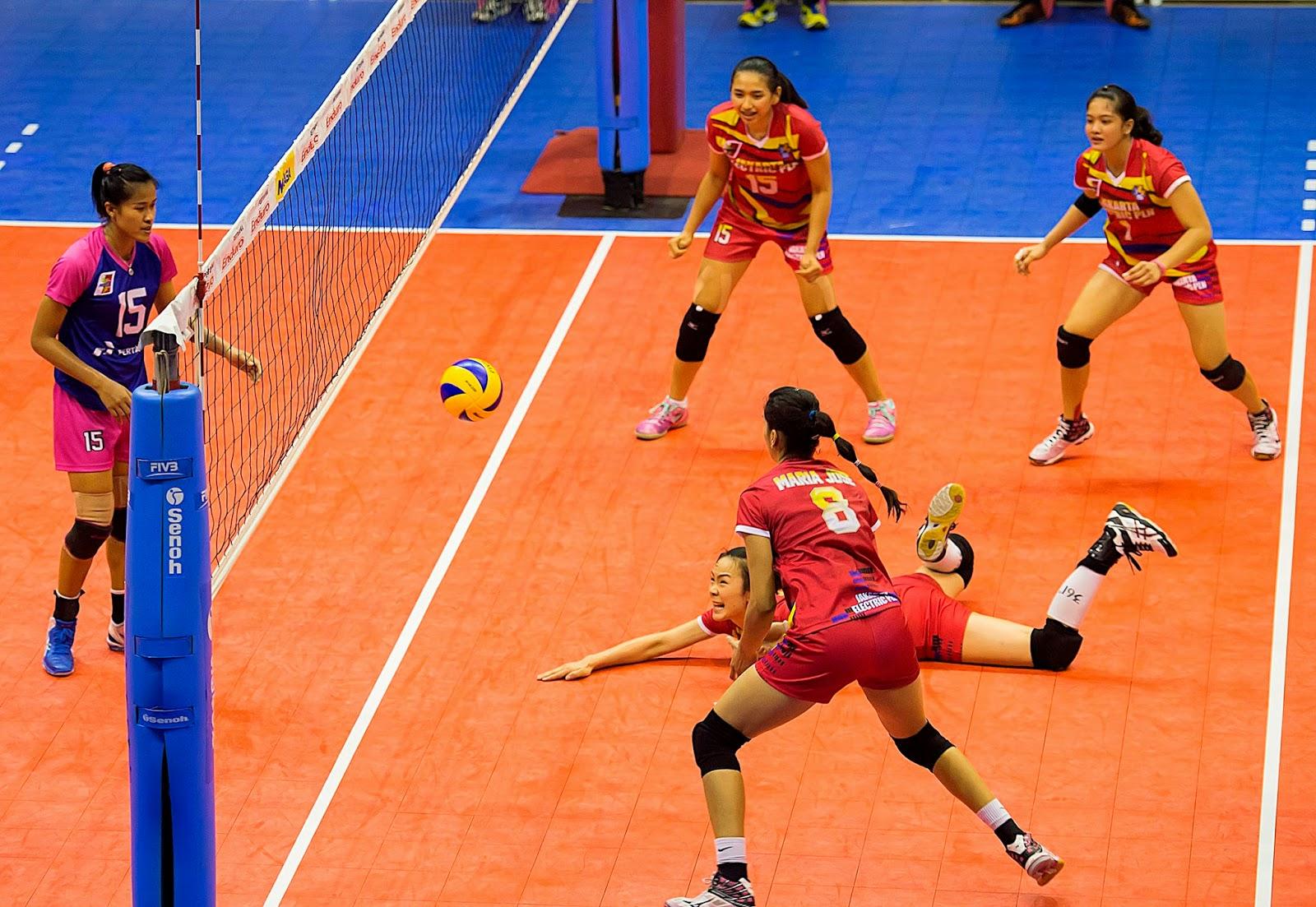 http://tutorialolahraga1.blogspot.com/2015/04/peraturan-resmi-pertandingan-voli.html