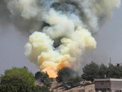 سقوط عشرات القتلى والجرحى جراء انفجار أحدى خزائن الذخيرة بمصنع 7 أكتوبر بمدينة الحصن بمديرية خنفر