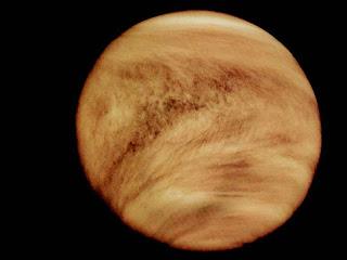 http://asalasah.blogspot.com/2012/04/tempat-dan-fenomena-ekstrim-di-tata-surya.html