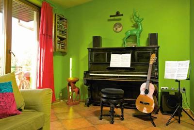 """<img alt=""""Dom pełen muzyki"""" src=""""dom-pełen-muzyki.jpg"""" />"""