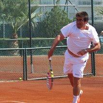 ITF SENIORS MUNDIAL DE TURQUIA  FERNANDO TRUJILLO SIGUE GANADO