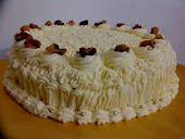 MOIST CARROT CAKE WITH CREAM CHEESE