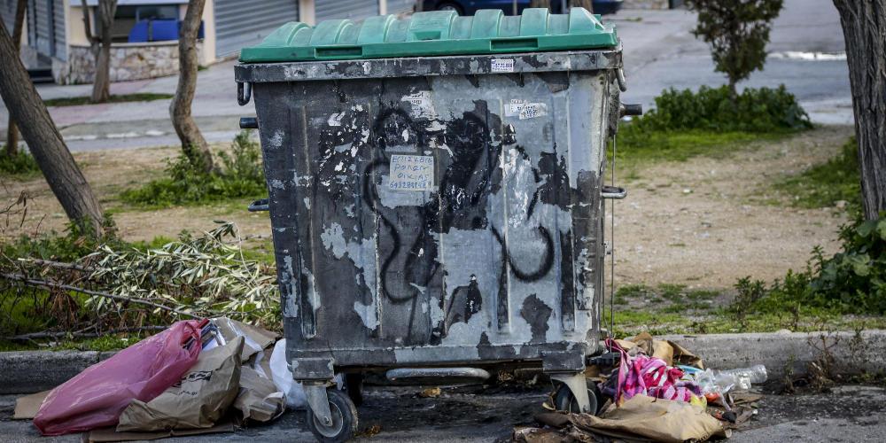 Συγκλονίζει η μαρτυρία της εύρεσης του νεκρού βρέφους στα Πετρούπολη