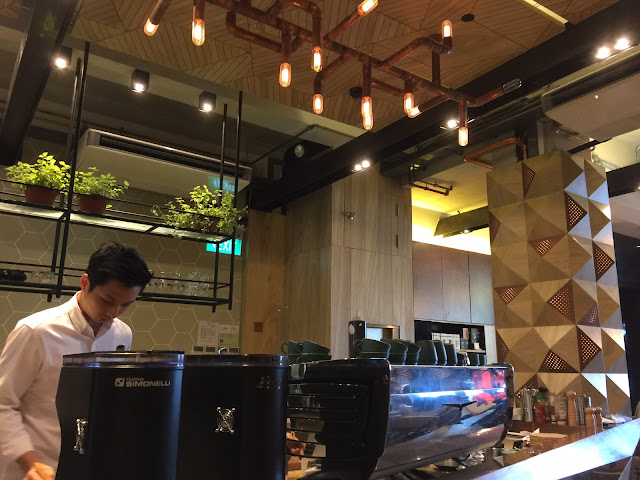 Populus Cafe - Interior and Ambience