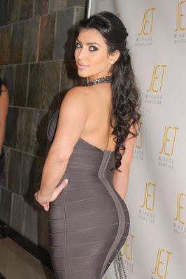 Kim Kardashian Hot Foto_h.jpg