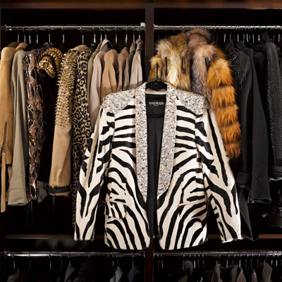 Kardashian Closet on Grace  Kim  Kourtney   Khloe Kardashian Show Off Their Fabulous Closet