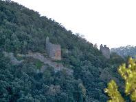 Aproximació fotogràfica a dues de les torres del sector nord-oest de les muralles del Castell de Sant Jaume