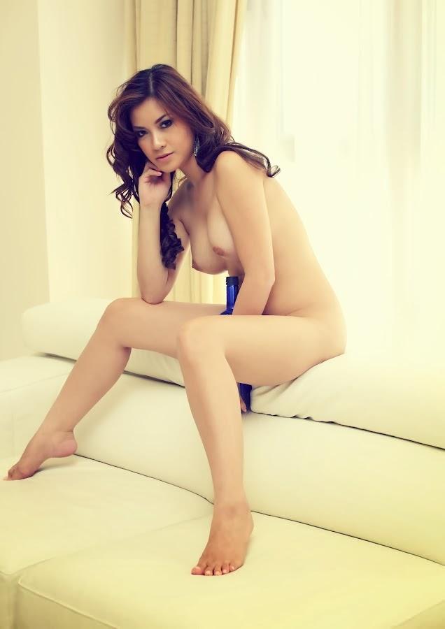 nathalie hayashi topless photos 01