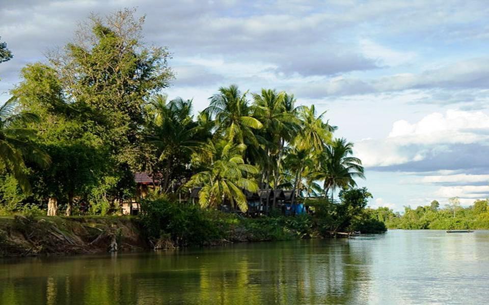 Laos un iklimi sıcak ve nemli olup subtropikal ve tropikal iklim