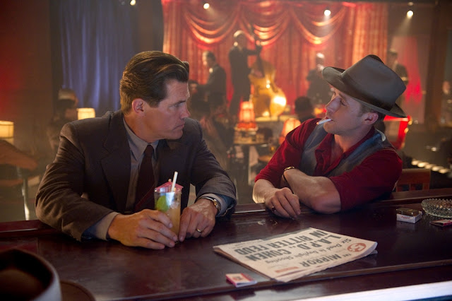 Brolin and Gosling at a bar in Gangster Squad