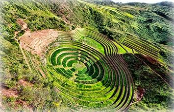 Terrazas de Moray region Inca de Peru