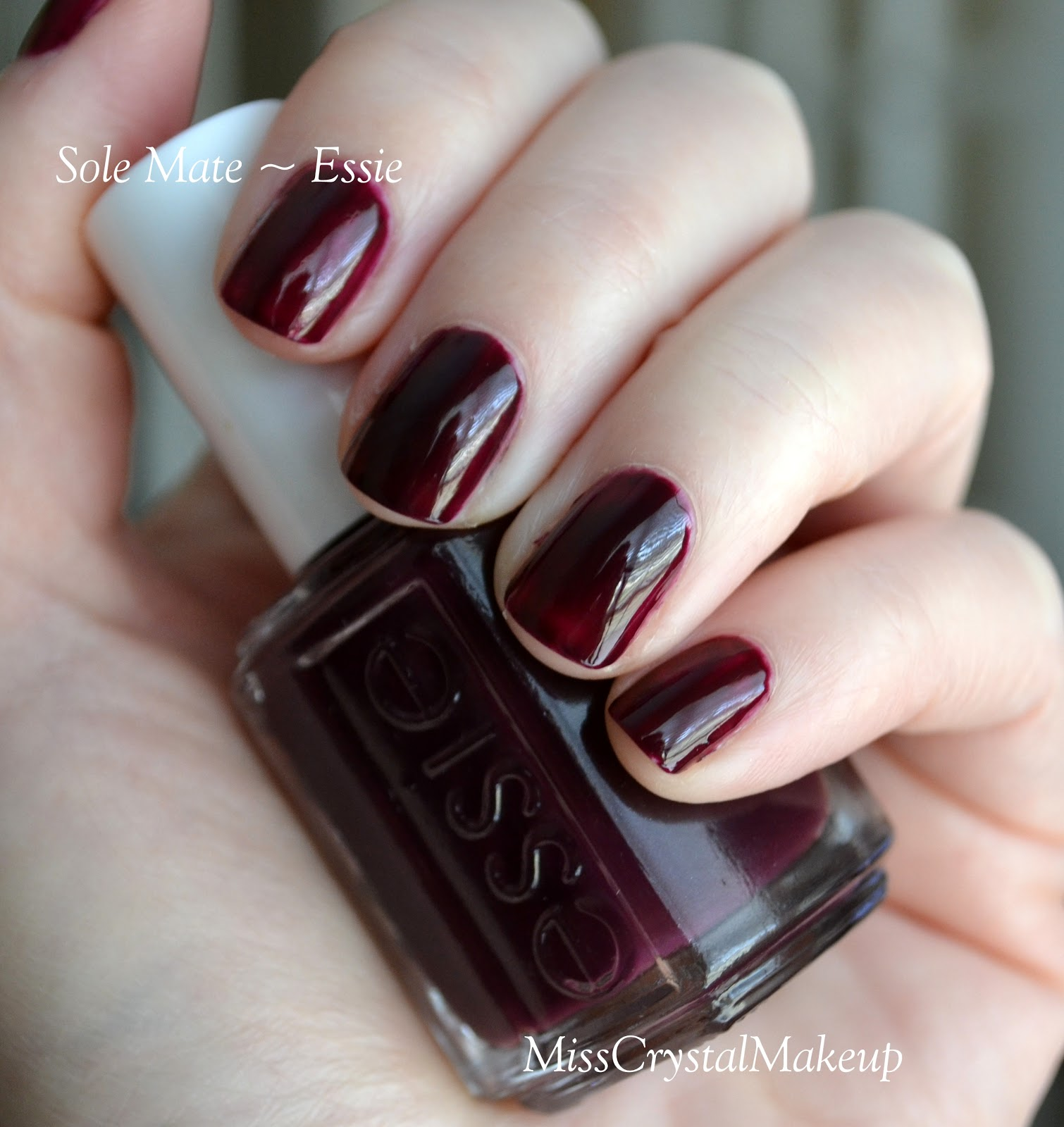 Autumn Nails Essie Bordeaux