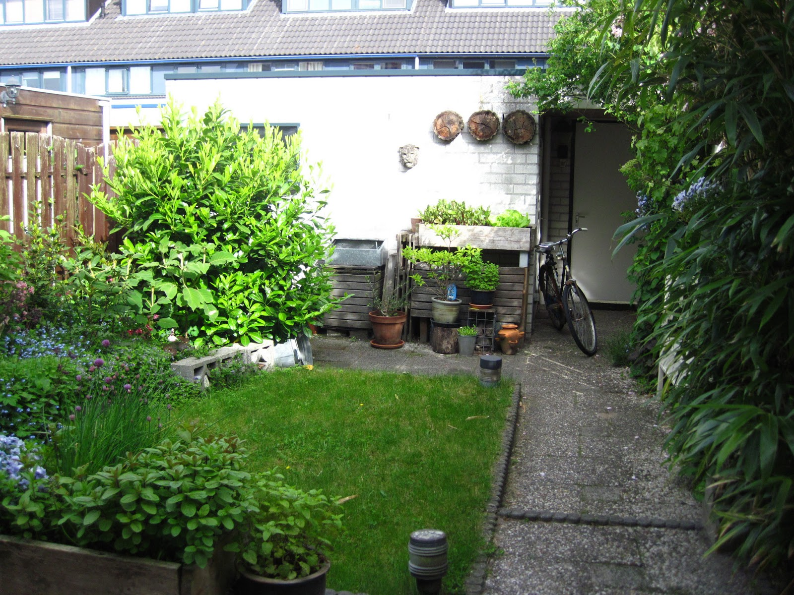 Te koop eengezinswoning in amersfoort hoe draait de zon in de tuin - Hoe amenager tuin ...
