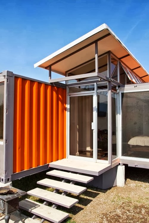 18-Front-Entrance-Recycled-Container-House-Architect-Benjamin-Garcia-San-Jose-Costa-Rica-Solar-Panels-Recycled-Metal-www-designstack-co