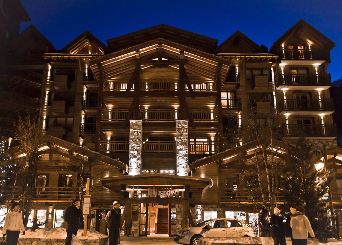 Passion for luxury hotel le blizzard val d 39 isere france for Hotels val d isere