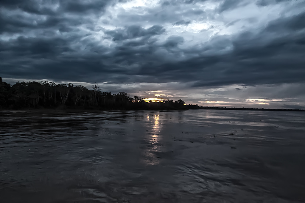 atardecer rio Amazonas