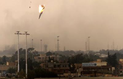 derriban avion en libia