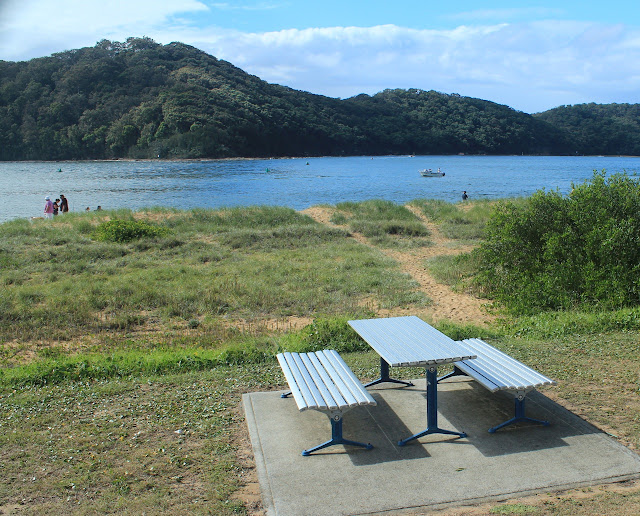 Picnic tables, Ettalong