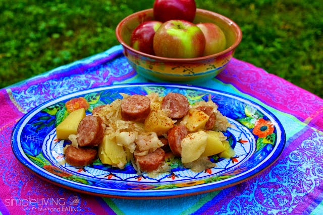 Kielbasa Sauerkraut & Apples: simplelivingeating.com