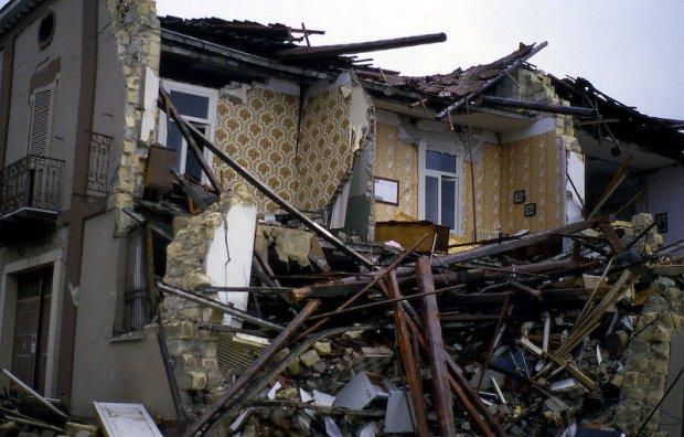 http://silentobserver68.blogspot.it/2012/10/terremoto-laquila-dubbi-da-scienziati.html