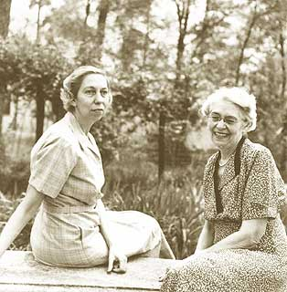 research papers for eudora welty Continue for 1 more page » • join now to read essay why i live at the po by eudora welty and other term papers or research documents.