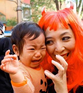 япония хеллоуин дети плачут и боятся
