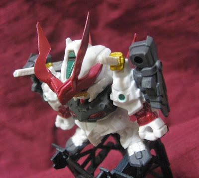Gashapon Next24 / SENGOKU ASTRAY GUNDAM review