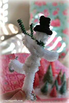 Pipe Cleaner Snowman by Lisa Leggett