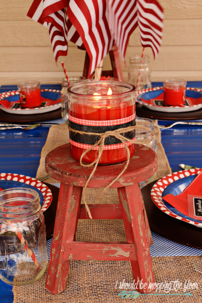 Labor Day Tablescape: Easy, budget-friendly, and fun ideas for a great red, white, and blue tablescape to end the summer with.