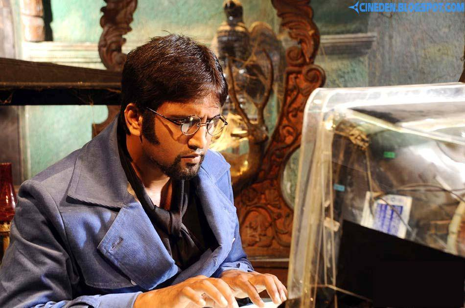 No hero roles right now: Santhanam