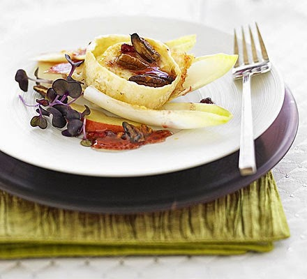 Grilled goat's cheese with cranberry dressing christmas recipe