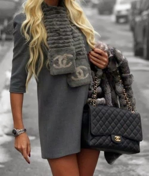 Adorable woolen winter dress with black leather bag
