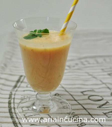 Blog di cucina di Aria: Smoothie melone, banana e menta