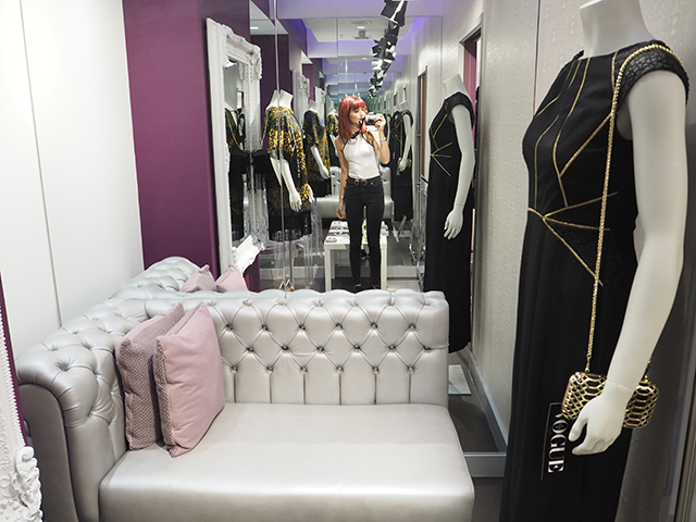 A girls day out at Intu Lakeside Shopping centre with Laura from Tiny Twisst in the Personal Stylist Lounge!