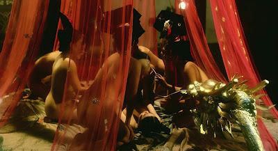 tinh duc hoang cung4 Sex and The Emperor   Tình Dục Hoàng Cung