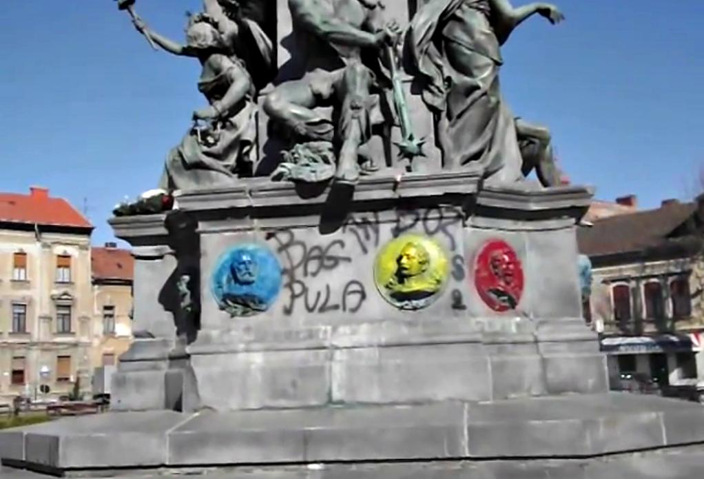 Szabadság-szobor, aradi tizenhármak, aradi vértanúk, magyarság, emlékműgyalázás, Arad, Bag pula în bozgori