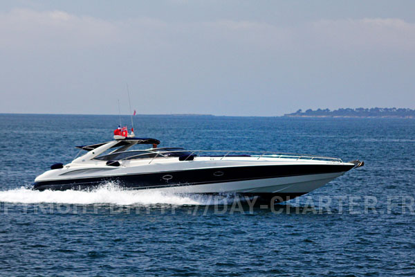 Azimut 55 fly: euro 3000/day · Astondoa 72 fly: euro 3500/day